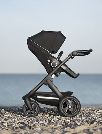 Introducing the Stokke Trailz with a black chassis